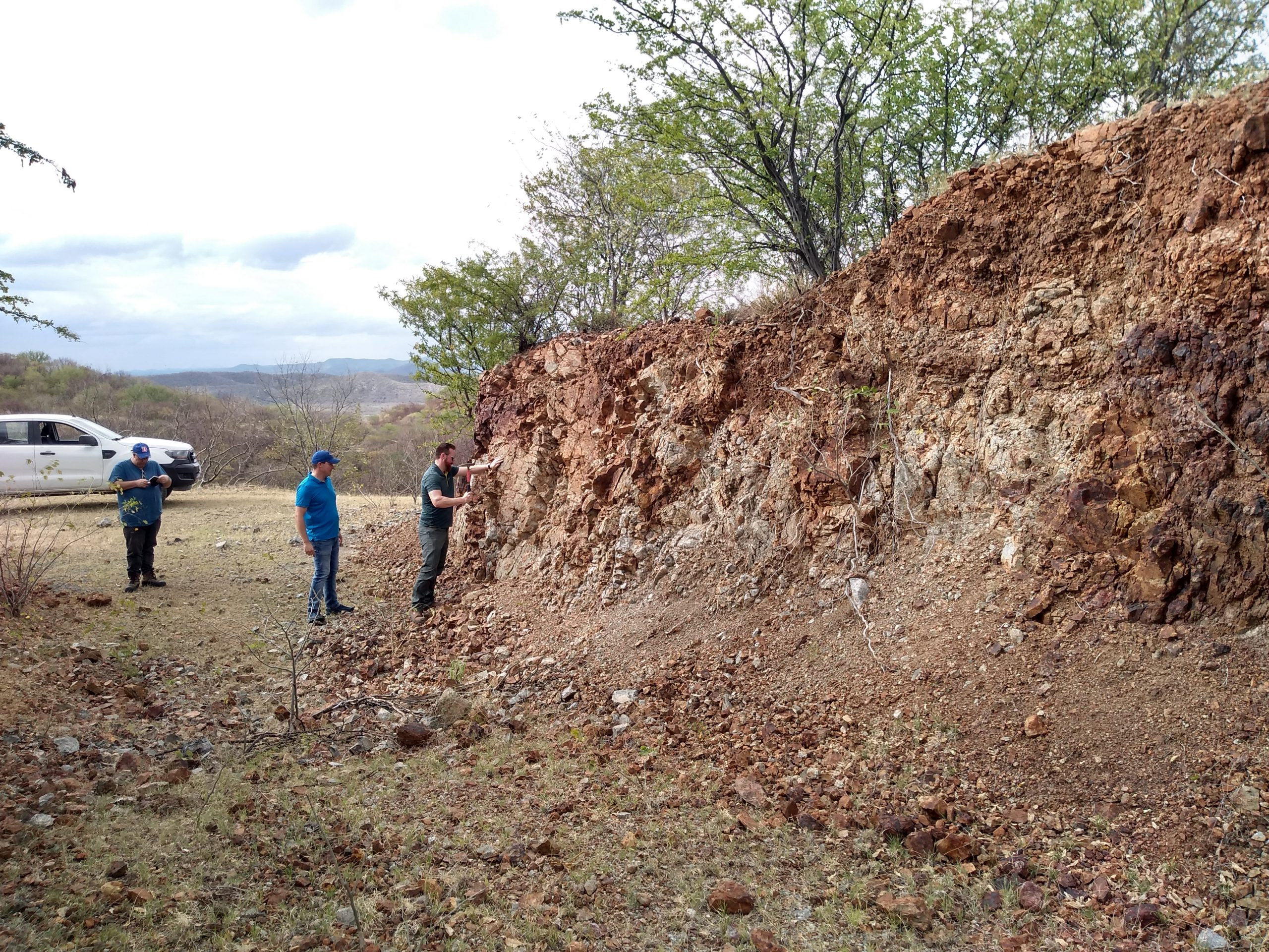 Mineralized fracture zone at 4 Trench at Pilar
